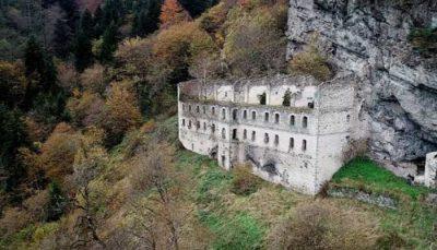 Vazelon Manastırı Nerededir
