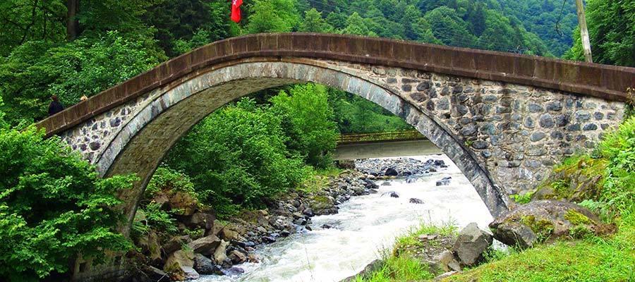 الجسور العثمانية في ايدر
